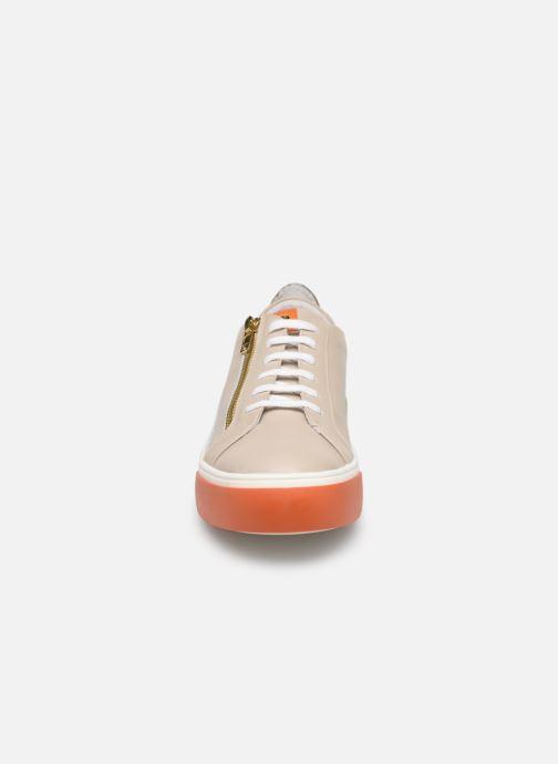 Baskets Elizabeth Stuart Sheila 304-3 Beige vue portées chaussures