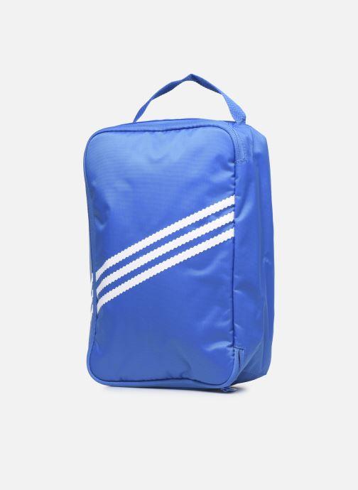 Bagages adidas originals Sneaker Bag Bleu vue portées chaussures