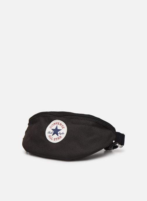 Pelletteria Converse SLING PACK Nero modello indossato