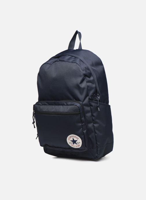 Rucksäcke Converse GO 2 BACKPACK blau schuhe getragen