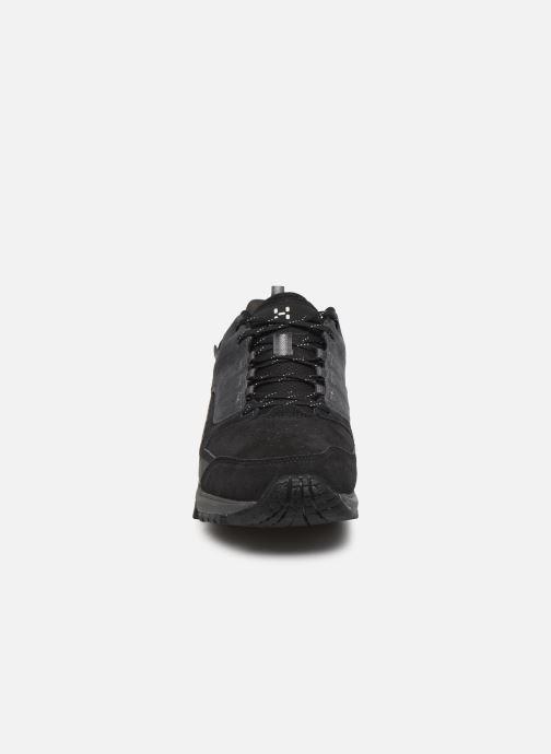 Chaussures de sport HAGLOFS Haglöfs Skuta Low Proof Eco Men C Noir vue portées chaussures