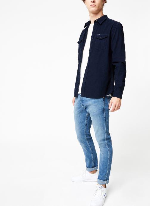 Vêtements Wrangler LS 2PKT FLAP SHIRT Bleu vue bas / vue portée sac