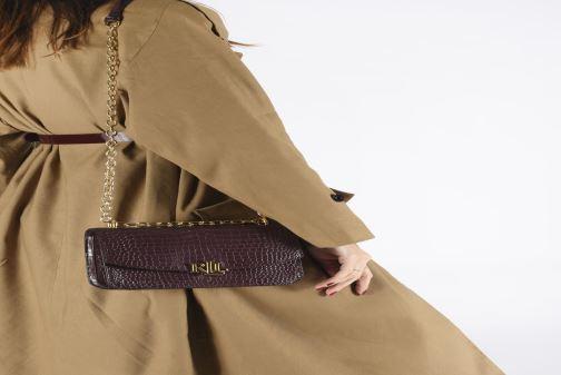 Handtaschen Lauren Ralph Lauren MADISON 22-CROSSBODY-MEDIUM weinrot ansicht von unten / tasche getragen