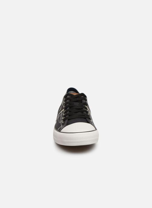 Baskets Mustang shoes 4127303 Noir vue portées chaussures