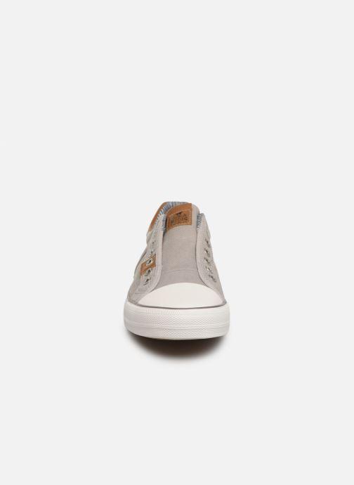Baskets Mustang shoes 4127401 Gris vue portées chaussures