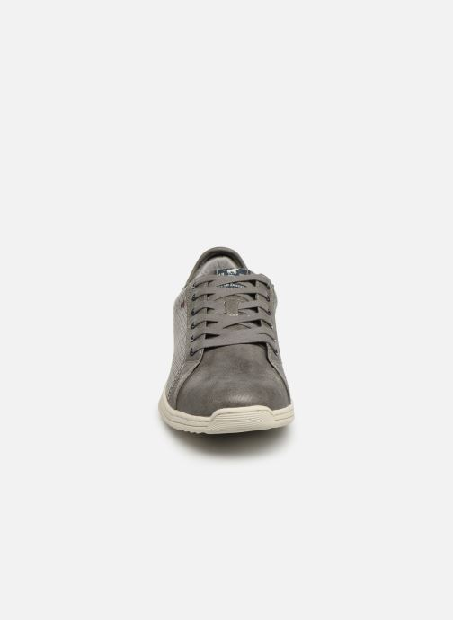 Baskets Mustang shoes 4136304 Gris vue portées chaussures