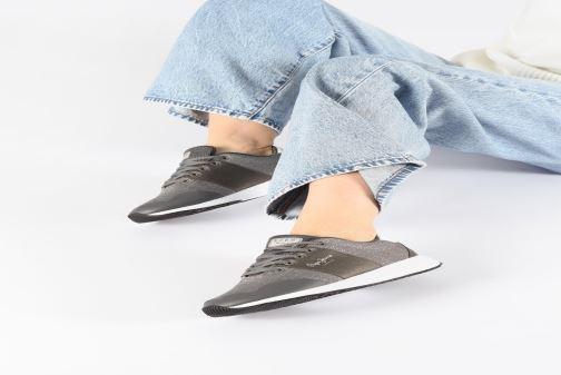 Baskets Pepe jeans Koko Sandy C Gris vue bas / vue portée sac