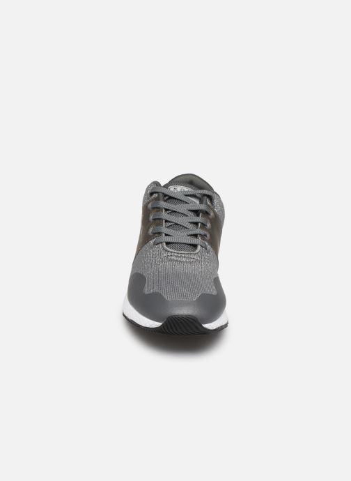 Baskets Pepe jeans Koko Sandy C Gris vue portées chaussures