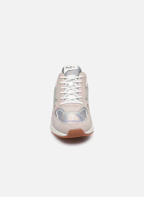 Sneakers Pepe jeans Harlow Up Reflect C Argento modello indossato