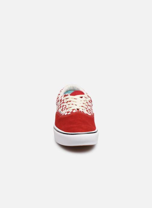 Baskets Vans ComfyCush Era M Rouge vue portées chaussures