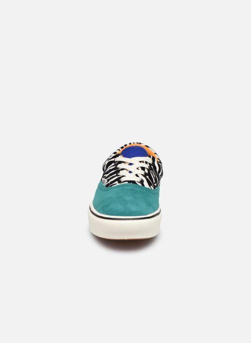 Sneakers Vans ComfyCush Era W Multicolore modello indossato