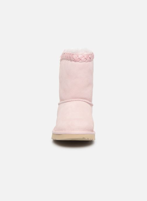Bottes UGG Classic Short II Braided K Rose vue portées chaussures