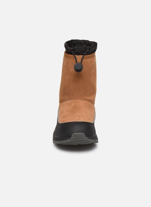 Chaussures de sport UGG Kirby Wp K Marron vue portées chaussures