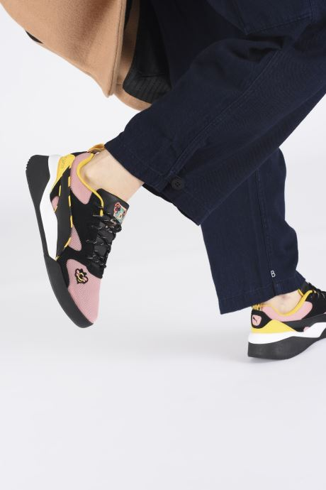 Trainers Puma Aeon Sue Tsai Pink view from underneath / model view