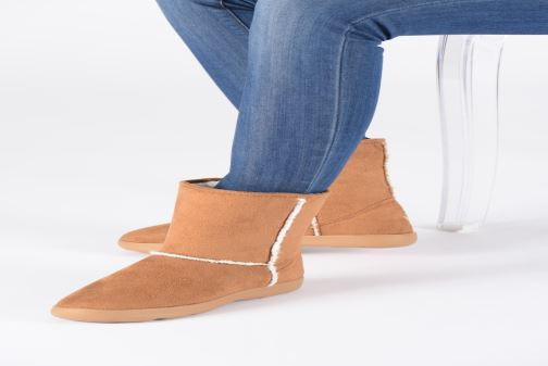 Bottines et boots Isotoner Chaussures EveryWear Marron vue bas / vue portée sac