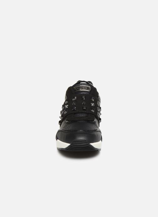 Baskets Guess FL8TIL Noir vue portées chaussures