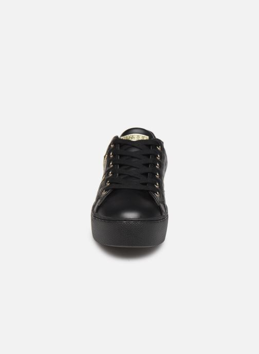 Baskets Guess FL8MAY Noir vue portées chaussures