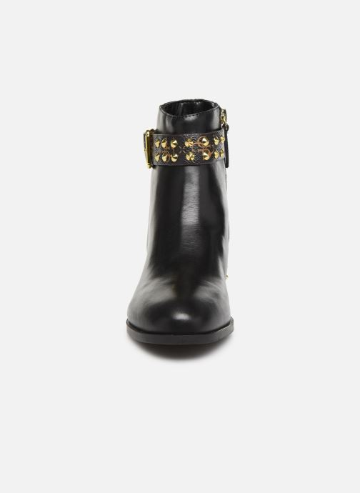 Bottines et boots Guess FL8AELFAL10 Noir vue portées chaussures