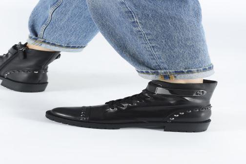 Boots en enkellaarsjes Guess FL8HHILEA10 Zwart onder
