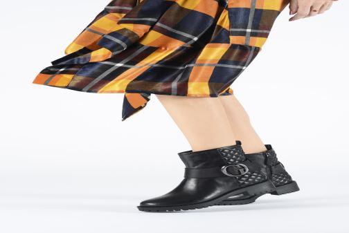 Bottines et boots Guess FL8HADLEA10 Noir vue bas / vue portée sac