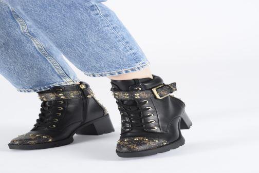 Stiefeletten & Boots Guess FL8ME2FAL10 schwarz ansicht von unten / tasche getragen