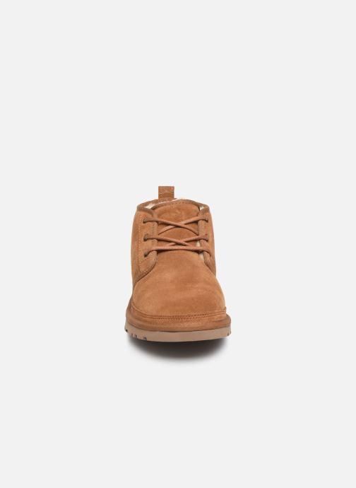 Bottines et boots UGG Neumel W Marron vue portées chaussures