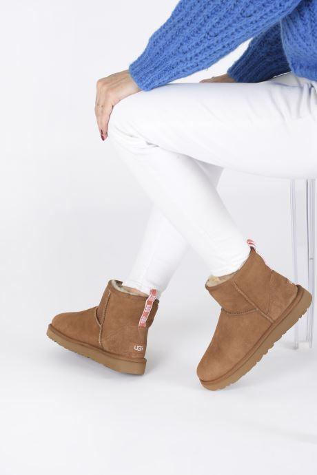 Boots en enkellaarsjes UGG Classic Mini II Graphic Logo Bruin onder