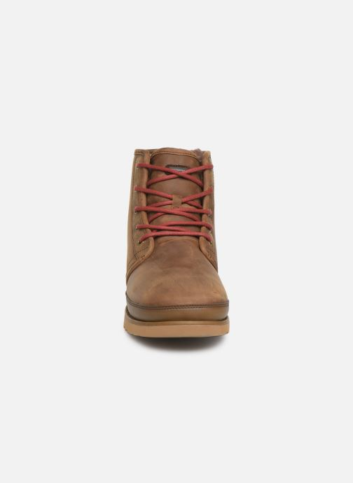 Bottines et boots UGG Harkley Waterproof Marron vue portées chaussures