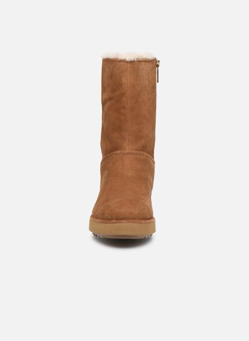 Stiefel UGG Classic Short BLVD braun schuhe getragen