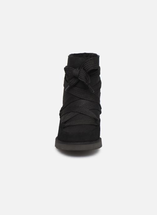 Bottines et boots UGG Classic Femme Lace-up Noir vue portées chaussures