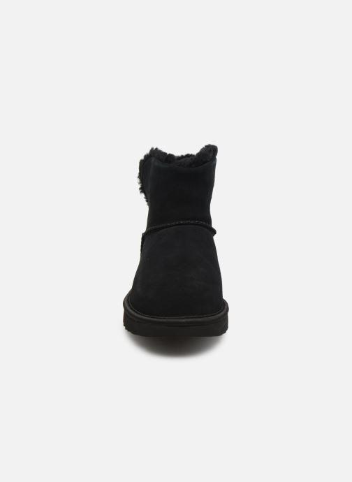 Bottines et boots UGG Classic Bling Mini Noir vue portées chaussures