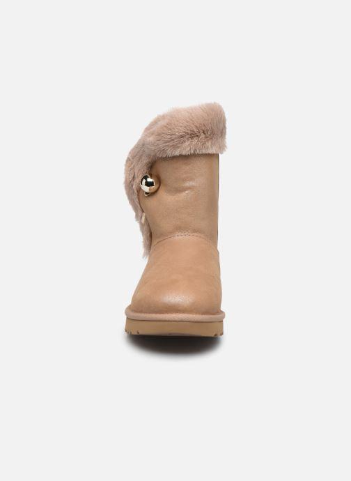 Bottines et boots UGG Classic Fluff Pin Marron vue portées chaussures