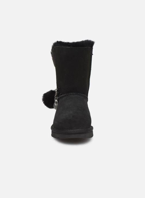 Bottes UGG Classic Short Charms Noir vue portées chaussures