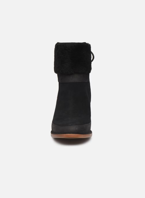 Bottines et boots UGG Kirke Noir vue portées chaussures
