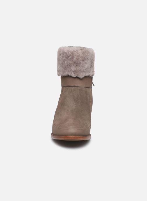 Bottines et boots UGG Kirke Marron vue portées chaussures