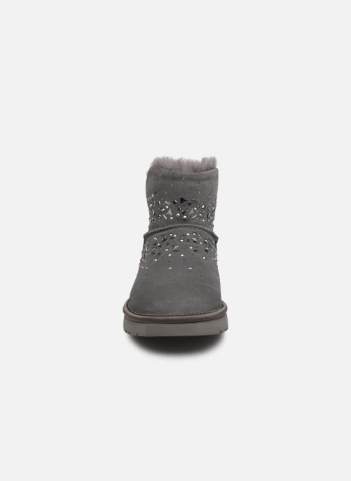 Stiefeletten & Boots UGG Classic Galaxy Bling Mini grau schuhe getragen
