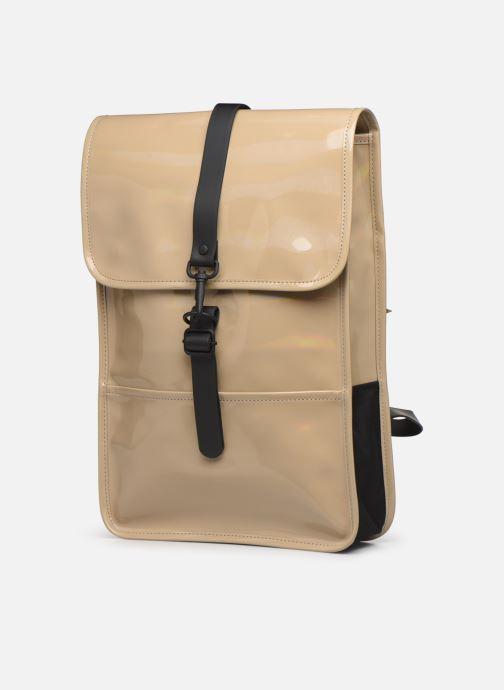 Mochilas Rains  Holographic Backpack Mini Beige vista del modelo