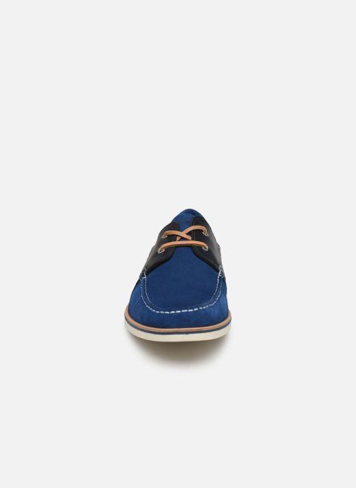 Scarpe con lacci Faguo Boat Shoes Larch B Suede Azzurro modello indossato