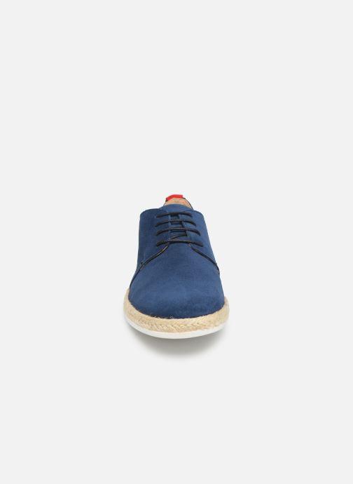 Zapatos con cordones Faguo Derbies Plane Suede Azul vista del modelo