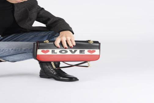 Handbags Love Moschino SHARE THE LOVE SATCHEL Red view from underneath / model view