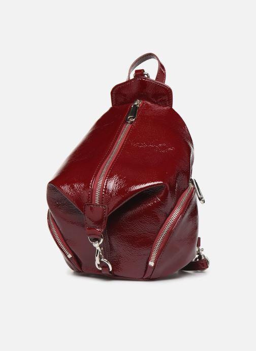 Sacs à dos Rebecca Minkoff CONVERTIBLE MINI JULIAN BACKPACK NAPLACK Bordeaux vue portées chaussures