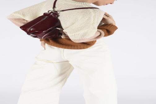 Sacs à dos Rebecca Minkoff CONVERTIBLE MINI JULIAN BACKPACK NAPLACK Bordeaux vue bas / vue portée sac