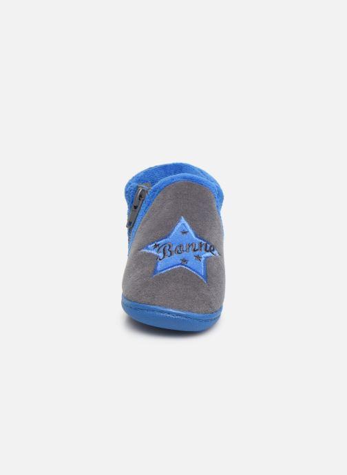 Pantofole Isotoner Botillon zip velours Grigio modello indossato