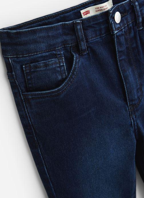 Vêtements Levi's Pantalon NP22527 Bleu vue portées chaussures