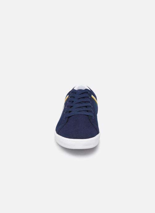Baskets Fred Perry Baseline Microfibre Canvas Bleu vue portées chaussures