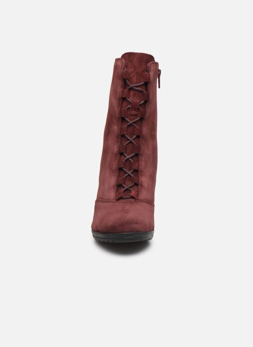 Ankle boots Scholl Mores C Burgundy model view