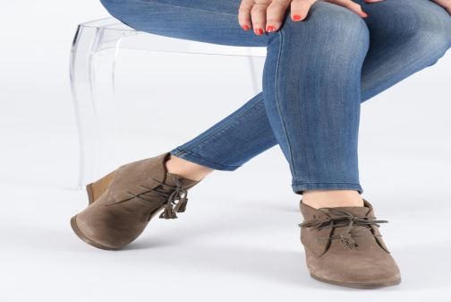 Ankle boots Scholl Griel 2.0 C Beige view from underneath / model view