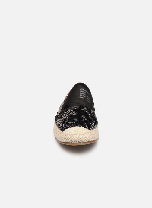 Mocassins Tamaris 24606 Noir vue portées chaussures