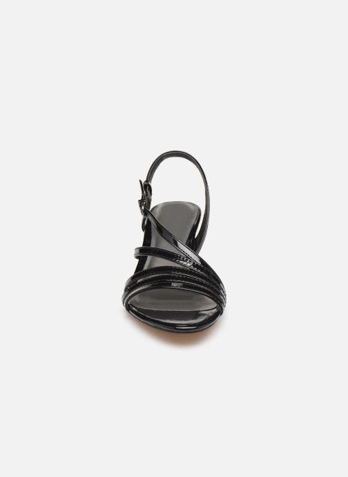 Sandales et nu-pieds Tamaris 28023 Noir vue portées chaussures