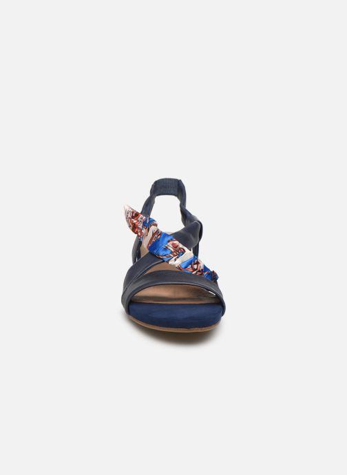 Sandales et nu-pieds Tamaris 28178 Bleu vue portées chaussures